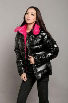 Black Moncler down jacket - EmilyRatajkow - Pins pinperest. Cool Jackets, Jackets For Women, Winter Jackets, Moncler, Nylons, Puffy Jacket, Down Coat, Jacket Style, Dress To Impress