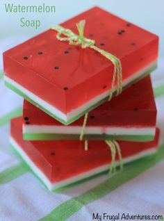 Homemade Watermelon Soap {Fun Gift Idea Handmade Watermelon soap how cute is that! The post Homemade Watermelon Soap {Fun Gift Idea appeared first on Summer Diy. Homemade Soap Recipes, Homemade Gifts, Diy Gifts, Homemade Paint, Diy Soap Recipe Without Lye, Homemade Cards, Summer Crafts, Fun Crafts, Summer Diy