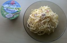 Spaghetti carbonara :) Bez dekoracji bo rodzinke nie bardzo interesowaly foty jak stwierdzilam ze sos ze śmietana Zott Natur wyszedl oblednie :) #zottnaturalnie #trnd (bubcia1999)