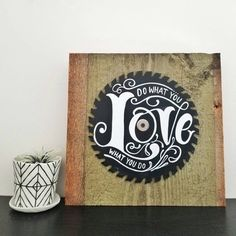 Do what you love love what you do painted saw blade, studio wall art, office space art Group Art Projects, Canvas Art Projects, Art Projects For Teens, Art Deco Wedding Flowers, Big Canvas Art, Pinstripe Art, Art Deco Paintings, Art Nouveau Design, Love Signs