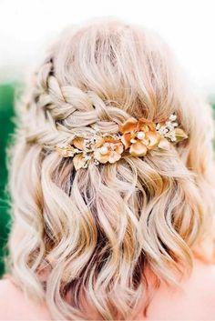Gorgeous Braided Prom Hairstyles for Short Hair - . Gorgeous Braided Prom Hairstyles for Short Hair – love this pretty half up braided style with a floral hair accessory Prom Hairstyles For Short Hair, Spring Hairstyles, Easy Hairstyles, Beautiful Hairstyles, Hairstyles 2018, Latest Hairstyles, School Hairstyles, Halloween Hairstyles, Natural Hairstyles
