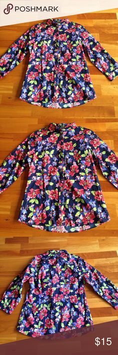 Lands End button down Women's size 8 beautiful hibiscus flowers beautiful button up blouse new Lands' End Tops Button Down Shirts