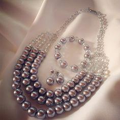 Collar en perla plateada by Luz Marina Valero