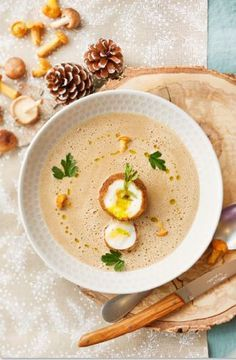 Recette Oeuf mollet frit et crème de champignons - Zôdio Cuisine - Gebratenes Fleisch Egg Recipes, Indian Food Recipes, Cooking Recipes, Healthy Recipes, Eggs And Mushrooms, Stuffed Mushrooms, Party Food And Drinks, English Food, Everyday Food