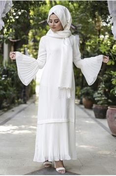 Street Hijab Fashion, Abaya Fashion, Modest Fashion, Dress With Cardigan, Belted Dress, Hijab Outfit, Abaya Mode, Hijab Stile, Hijab Trends