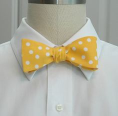 Men's Bow Tie in mango sorbet with white polka dots