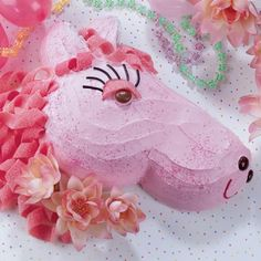 """For your next princess party, here's a Pink Pony Cake that will surely be the """"mane"""" attraction!"""