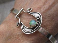 Rose Cut Ethiopian Opal Hinged Bracelet Stone Jewelry, Metal Jewelry, Boho Jewelry, Jewelry Art, Jewelery, Silver Jewelry, Jewelry Accessories, Jewelry Design, Silver Bracelets