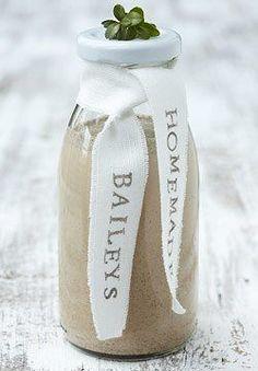 6. Dezember: Adventsmitbringsel: Baileys selber machen - BRIGITTE