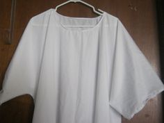 XL2X White Tunic by AlessandraGoldKey on Etsy, $10.00