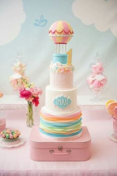 Okay, if you stumbled upon on this article I am sure you need a baby shower idea, so start looking at these wonderful baby shower cake designs for Baby Cakes, Baby Shower Cakes, Cupcake Cakes, Mini Cakes, Hot Air Balloon Cake, Air Ballon, Balloon Party, Just Cakes, First Birthday Cakes