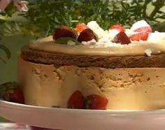 Torta helada de dulce de leche y frutillas - Cocineros argentinos