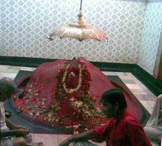 Maa Phullara or Fullara, Attahasa Shakti Peetha-LIPS http://www.indotemple.com/temple-review/maa-phullara-or-fullara-attahasa-shakti-peetha