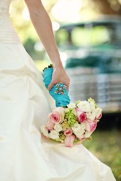 love this shot... @Seth Free Photography #wedding #bouquet