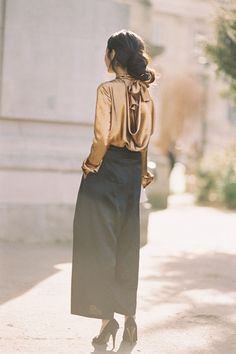 Stunning artist Kamilya Kuspan, before Chloe, Paris, March 2015. My favourite outfit from PFW AW 2015. That gold bow blous...