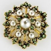 Flower brooch-BH9159-Grey from Fabulous Brooch CODE: BH9159-Grey   Price: US$4.20   Floral brooch with grey pearl in the center and green acrylic stone; Metal placted in antique gold ;  Size: 2 inches in diameter