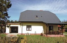 Holiday home Mieroszyno ul. Lowiecka Mieroszyno Set in Mieroszyno, this holiday home is 44 km from Sopot. The unit is 36 km from Gdynia. Free private parking is available on site.  The kitchen comes with a fridge and a stovetop, as well as a coffee machine. A TV is provided.