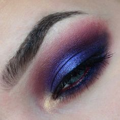 Here is the closeup of today's @meltcosmetics Lovesick eye. Brows are @ponicosmetics brow powder in Thoroughbred and brow wax.