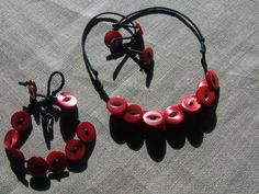 Necklace and / or bracelet with clusters of red di nodiEbottoni, $12.00