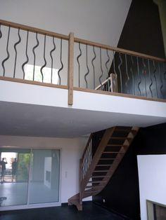Gamme tradition : Escalier chêne avec balustres fer une à l'endroit une à l'envers