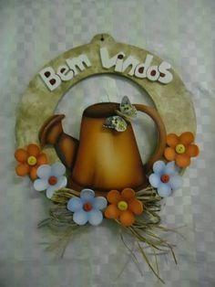 guirlanda regador country flor eva | Artesanatos Ingrid Carvalho | 210D93 - Elo7