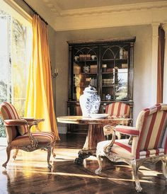 COTE DE TEXAS: PART TWO: SIX DEGREES OF SEPARATION FROM FRANCE TO CALIFORNIA TO SPAIN Six Degrees Of Separation, Malibu Homes, London Apartment, Traditional Interior, Marble Floor, Architectural Digest, Bed Spreads, Slipcovers, Living Room Furniture