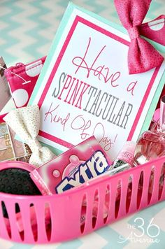 Do it Yourself Gift Basket Ideas for All Occasions Do it Yourself Gift Basket Ideas for all Occassions – Have a SPINKtacular or PINKtastic Kind of Day Gift Basket Idea and Free Gift Card Printables via the Avenue Themed Gift Baskets, Diy Gift Baskets, Christmas Gift Baskets, Handmade Christmas Gifts, Basket Gift, Raffle Baskets, Holiday Gifts, Basket Crafts, Hostess Gifts