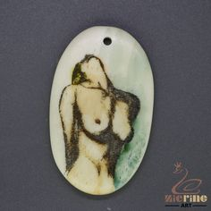ANTIQUE SCRIMSHAW PENDANT  CARVED HAND PAINTED WOMAN  STAMP ZL201795 #ZL #Pendant