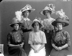 Fancy hat squad, 1912 #vintageeveryday #vintage #nostalgia #life #blackandwhite #photography #portrait #woman #beauty #fashion #hat