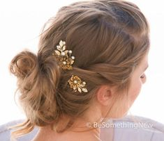 Flower hair pins of brass flowers pretty gold leaves and champagne pearls. Perfect for a vintage themed wedding, a special party or just for a fun