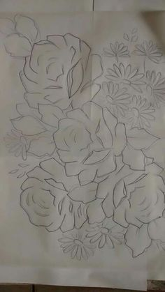 Risco de rosas Rose Embroidery, Embroidery Patterns, Fabric Painting, Painting & Drawing, Outline Drawings, Stencil Patterns, Rose Art, Sketch Design, Colouring Pages