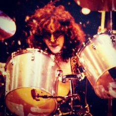 Eric Carr, Kiss Pictures, Kiss Band, Hot Band, Musicians, Live, Celebrities, Kissing Pics, Celebs