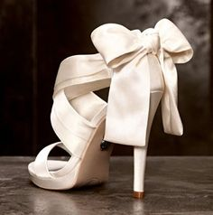 White satin wedding shoes with bow - My wedding ideas