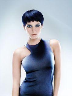 mystic coupe de cheveux courte androgyne frange effile couleur brun cendr avec reflets - Coloration Cheveux Noir Bleut