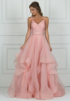 New years eve dresses Grad Dresses, Formal Dresses, Wedding Dresses, Pretty Dresses, Beautiful Dresses, Formal Wedding Guests, Beige Blond, Quinceanera Dresses, Elegant