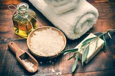 Sugar scrubs are made from sugar and are typically mixed with natural and essential oils for moisture and scent. Sugar scrubs nourish your skin while exfoliating it, removing. Diy Beauty, Beauty Hacks, Beauty Soap, Cleopatra Beauty Secrets, Scalp Scrub, Piel Natural, How To Treat Acne, Tea Tree Oil, Organic Beauty