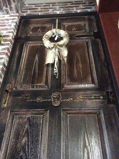 My door now like an antique door.. Kapımı antik kapıya dönüştürdüm