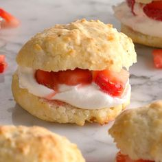 "Biscuit Strawberry Shortcake - The musical ""Waitress"" Biscuits For Strawberry Shortcake, Shortcake Biscuits, Tea Biscuits, Homemade Biscuits, Homemade Breads, Baking Recipes, Dessert Recipes, Classic Desserts, Cake Toppings"