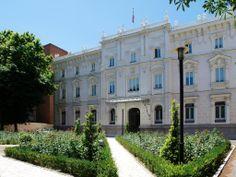 Palacio Marqués de Fontalba en #madrid . Señorial edificio madrileño entre el Paseo de la Castellana y la calle Fortuny. Actual sede de la Fiscalía General del Estado.  Construido en 1911, para el Marqués de Cubas y Fontalba