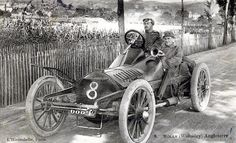 Charles Rolls during the 1905 Gordon Bennett race Old Race Cars, Old Cars, Road Trip Map, Road Trips, Vintage Race Car, Vintage Auto, Classic Race Cars, Car Photos, Old World