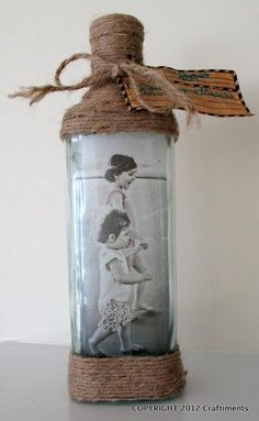 28 Wunderschönes DIY-Foto- und Bilderrahmen-Handwerk für Ihr Zuhause Best Picture For Decoupage en madera For Your Taste You are looking for something, and it is going to tell you exactly what you are Jar Crafts, Home Crafts, Diy And Crafts, Arts And Crafts, Diy Photo, Photo Craft, Glass Bottle Crafts, Bottle Art, Diy With Glass Bottles