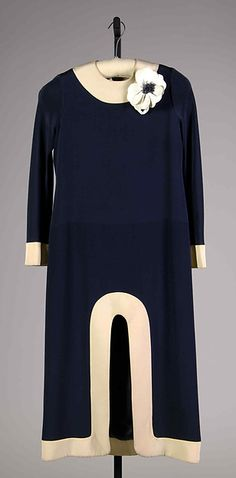Evening dress Designer: Pierre Cardin (French, born San Biagio di Callalta, Italy, 1922) Date: ca. 1970 Culture: French Medium: Silk Dimensions: length: 48 in. Credit Line: Brooklyn Museum Costume Collection at The Metropolitan Museum of Art, Gift of the Brooklyn Museum, 2009; Gift of Leon Amar and Charlotte Igoe-Amar, 1993
