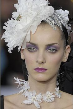 SPRING 2008 COUTURE HAIR DETAIL – CHRISTIAN LACROIX