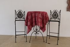 Gewebte Botschaften zum Thema Liebe. Wardrobe Rack, Furniture, Home Decor, Asylum, Weaving, Textiles, Cotton, Decoration Home, Room Decor