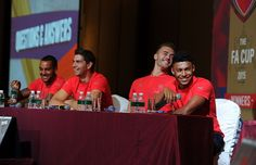 Pictures: Players at Singapore fan party | News Archive | News | Arsenal.com