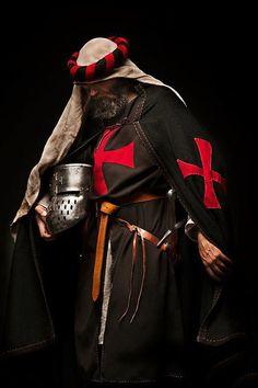 The Knights Templar and Knights Hospitaller Knights Hospitaller, Knights Templar, Knight In Shining Armor, Knight Armor, Medieval Knight, Medieval Fantasy, Rose Croix, Crusader Knight, Armadura Medieval