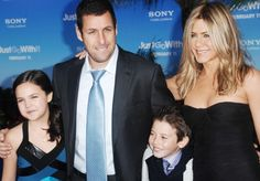 Jennifer Aniston shines at Just Go With It premiere