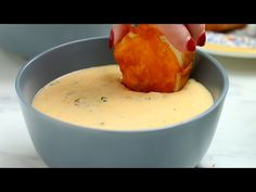 Homemade Broccoli Cheese Soup Soup Recipes video recipe – The Most Practical and Easy Recipes Chili Recipes, Soup Recipes, Cooking Recipes, Cooking Videos, Dinner Recipes, Buzzfeed Tasty Videos, Broccoli Cheese Soup, Quick Snacks, Cheese Recipes