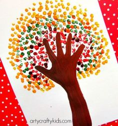 100 Best Fall Crafts for Kids Celebrate the change of the season with these fun fall crafts for kids. These craft ideas include fall leaves, apples, scarecrows, pumpkins and more! These fall crafts for kids are easy to do and don't Thanksgiving Crafts For Kids, Fall Crafts For Kids, Kids Crafts, Kids Diy, Autumn Art Ideas For Kids, Fall Art For Toddlers, Spring Crafts, Easy Crafts, Fall Arts And Crafts