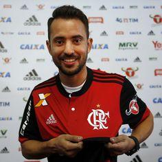 Devidamente apresentado. Que venham os treinos, jogos e conquistas. Everton Ribeiro tem bagagem e discurso de campeão. Flamengo é isso. #ER7